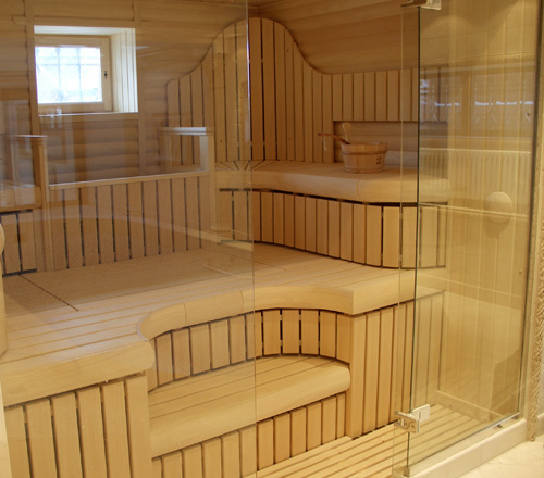 Полки в бане с тремя уровнями